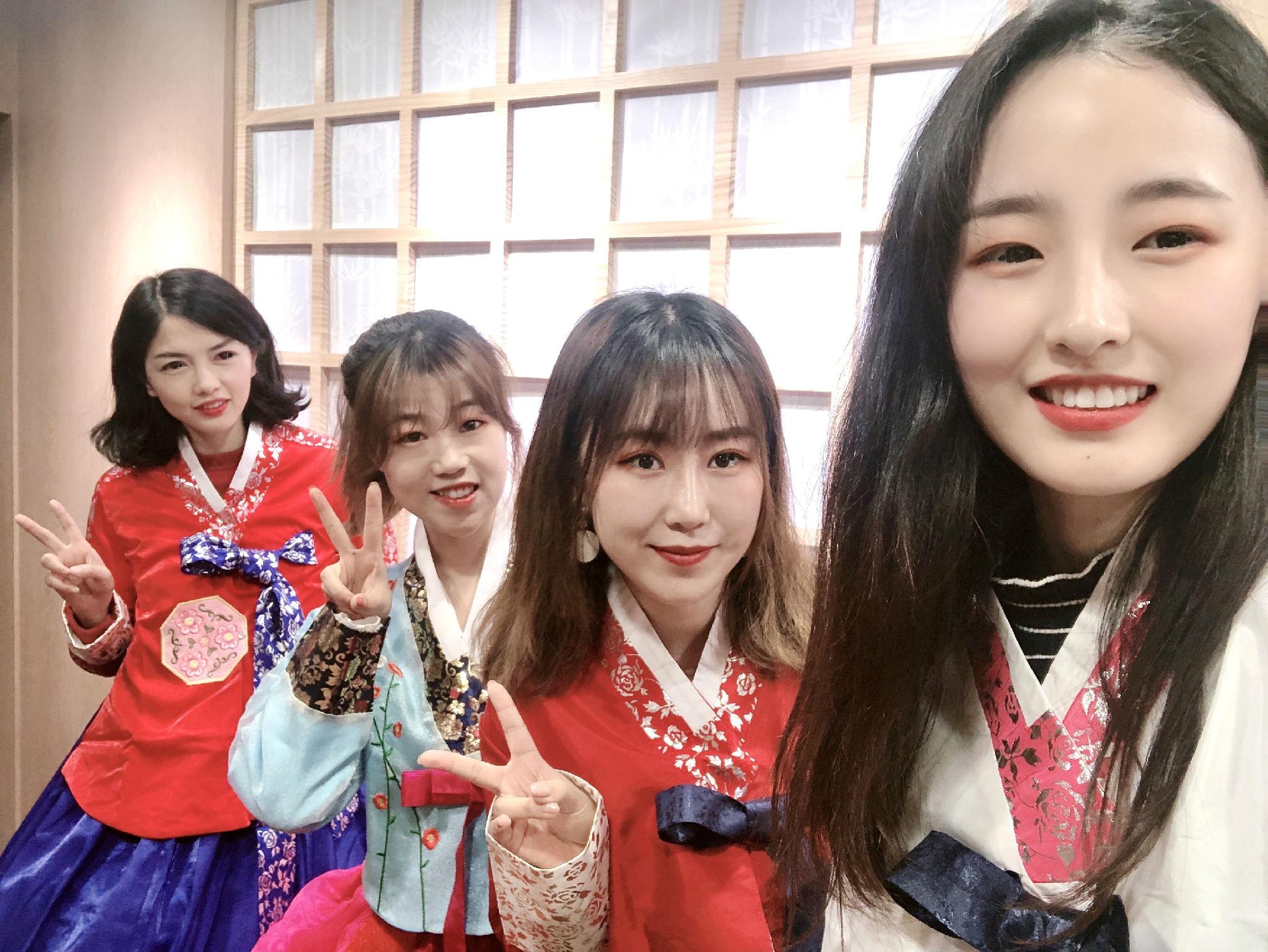 现代教育携手韩国旅游发展局&釜山航空邀你一起感受韩服魅力!还有机会赢取明星签名CD哦!